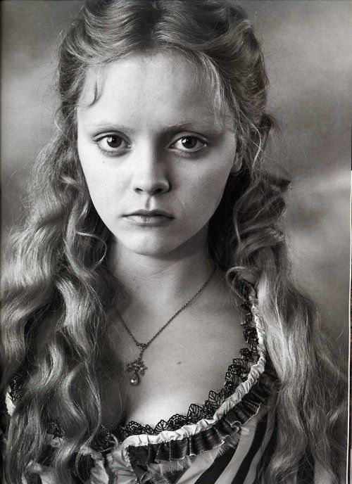 Christina Ricci as Katrina Van Tassel in Sleepy Hollow, 1999