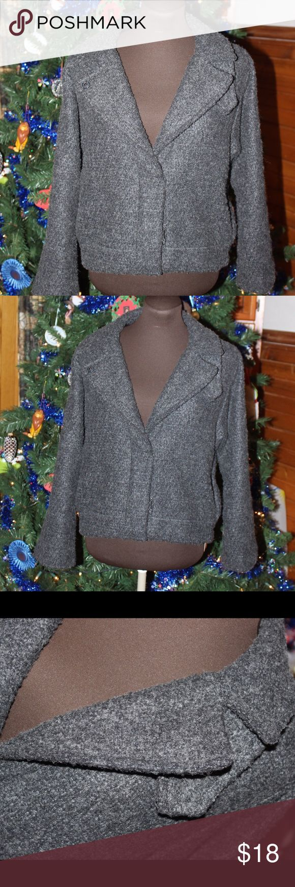 ‼️Holiday Sale‼️ Gorgeous and very warm jacket. Coat is in great condition, however it may be missing a button near the collar. I never paid attention to it before, is more of a decoration than anything. GAP Jackets & Coats