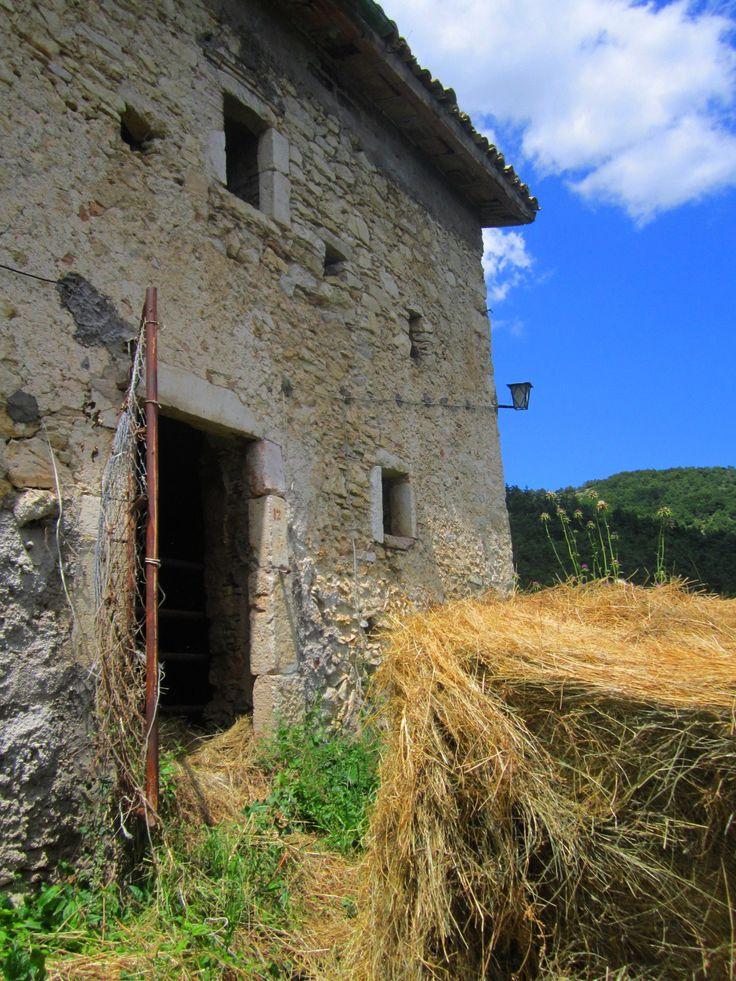 """Casale Caserta o Baiocco, """"Bocco"""" - Monteleone di Spoleto. Ancient abandoned hamlet.  Luoghi abbandonati - Abandoned places. Umbria"""