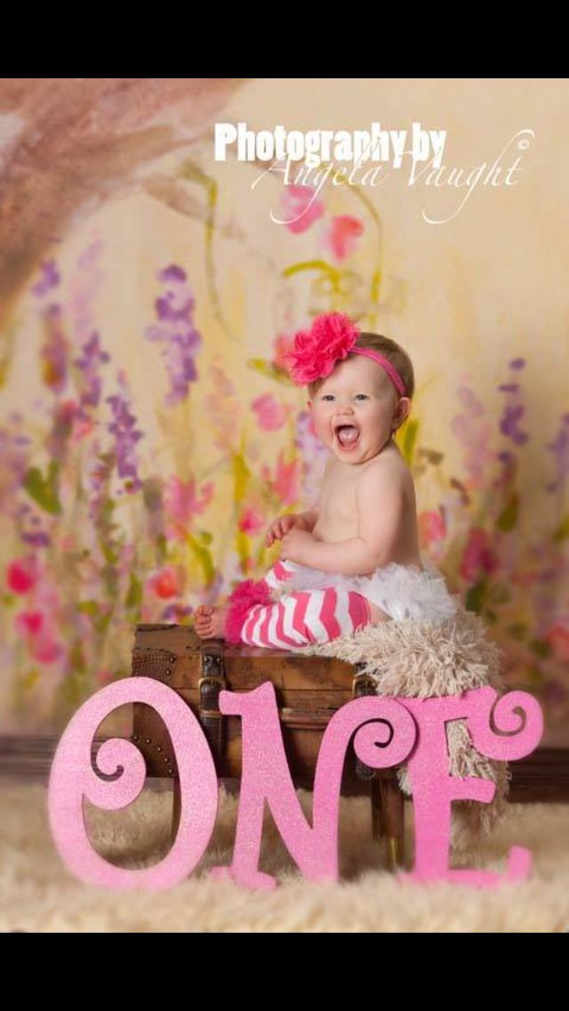 Savannah's first birthday! # first birthday photoshoot # ideas#childrens #photography #cake smash #one#laughter#happy baby
