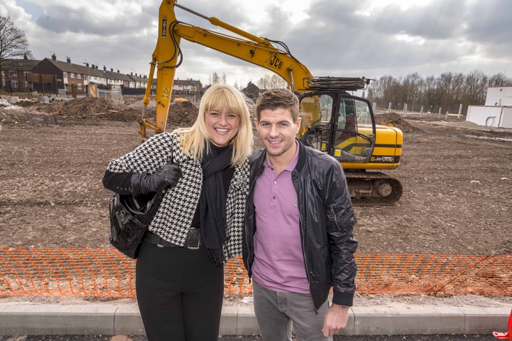 #StevenGerrard and KHT Chair Helen White pose at the building site for brand new apartments, Bluebell Park at it's official launch.