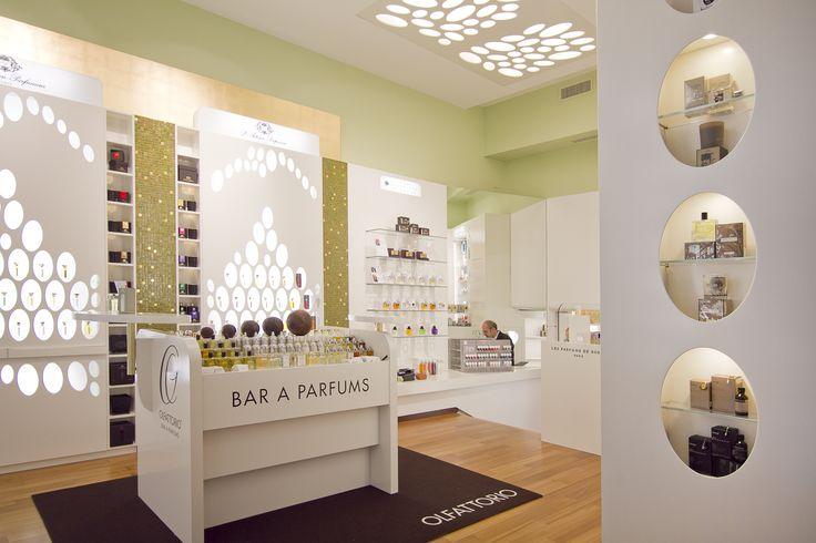 Dettaglio interni, zona multibrands, Olfattorio Bar à Parfums via Brera n. 5 a Milano