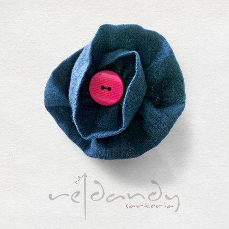 Re|Dandy - Fiore all'occhiello in lino blu. #madeinitaly #buttonhole #fashion #moda #brand #boutique #accessories #accessorimoda