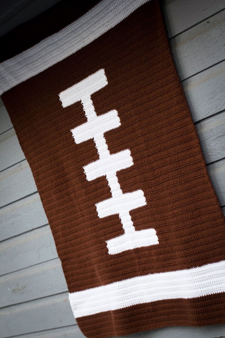 Whitniffic Whatnots: Football Blanket Crochet Chart http://whitnifficwhatnots.blogspot.com/2013/12/football-blanket-crochet-chart.html