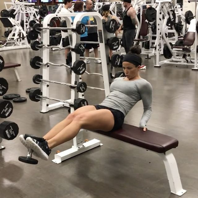"10.7k Likes, 227 Comments - Sarah Bowmar, MBA, CPT (@sarah_bowmar) on Instagram: ""The last superset of quite possibly the hardest ab workout I've ever completed. The full workout is…"""