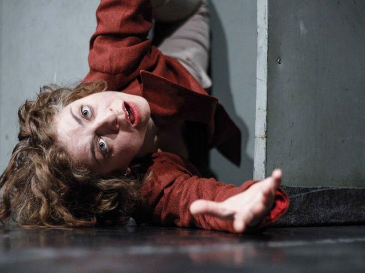"""Baseando-se em técnicas corporais, a peça """"Carne Moída"""" chega ao Teatro da Escola de Arte Dramática da USP."""