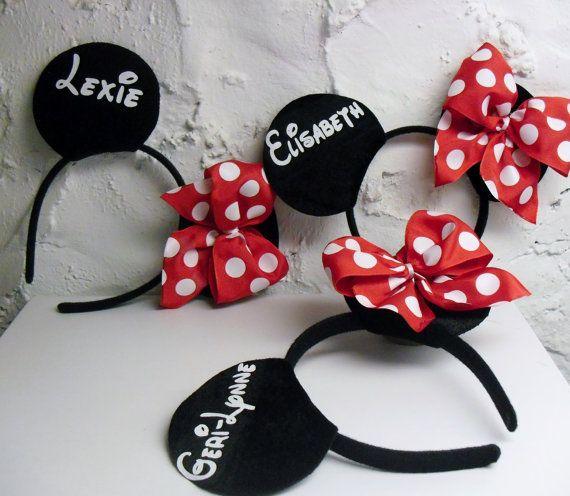 Minnie Mouse inspirierte Ohren von DooMeAFavor bei Etsy, $ 12,00