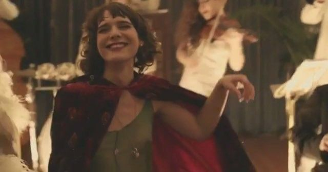 Pin for Later: 14 Reasons Hari Nef Is About to Become the Next Top Model Hari Appeared on Season 2 of Transparent Proving she's got modelling and acting skills.