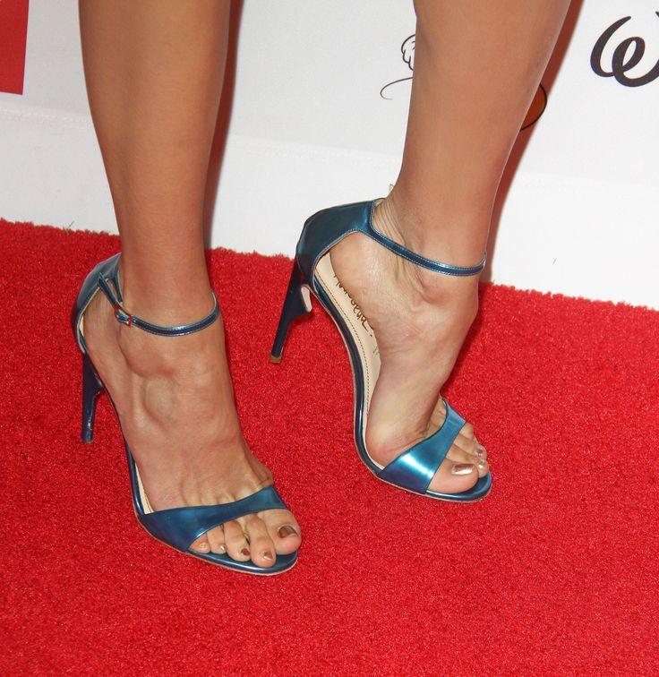Nina Dobrev's Feet << wikiFeet