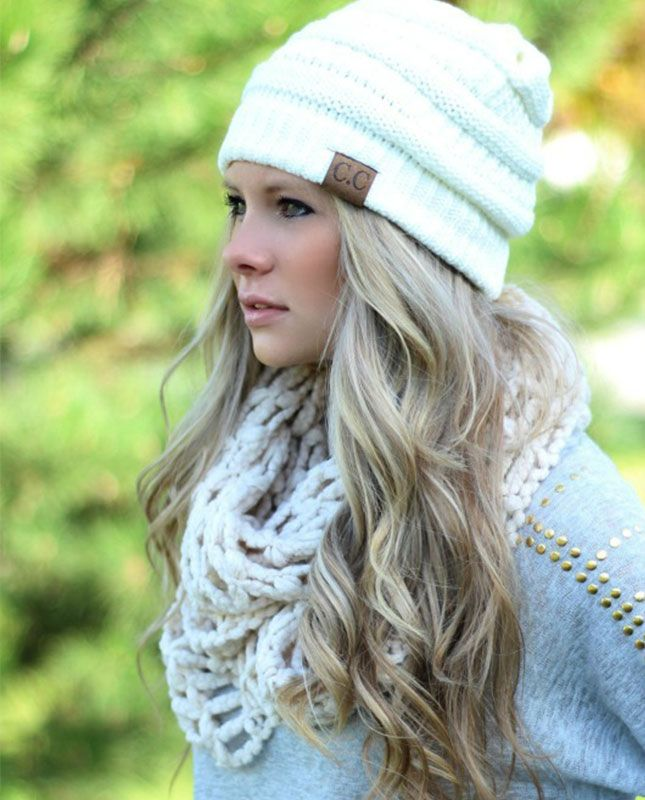 Love the hat and hair 18 Winter 'Dos for the Holiday Season via Brit + Co.
