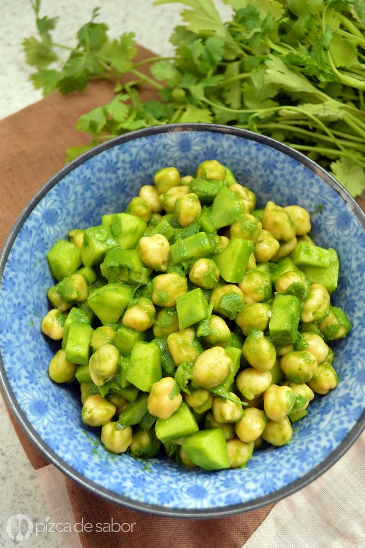 Ensalada de garbanzos, cilantro y limón - Pizca de Sabor