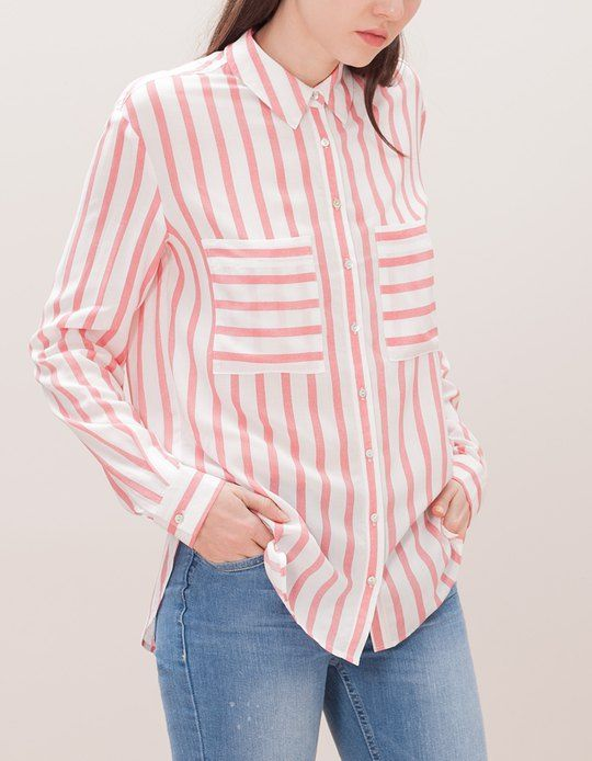 En Stradivarius encontrarás 1 Camisa bolsillos para mujer por sólo 15.95 € . Entra ahora y descúbrelo junto con más CAMISAS.