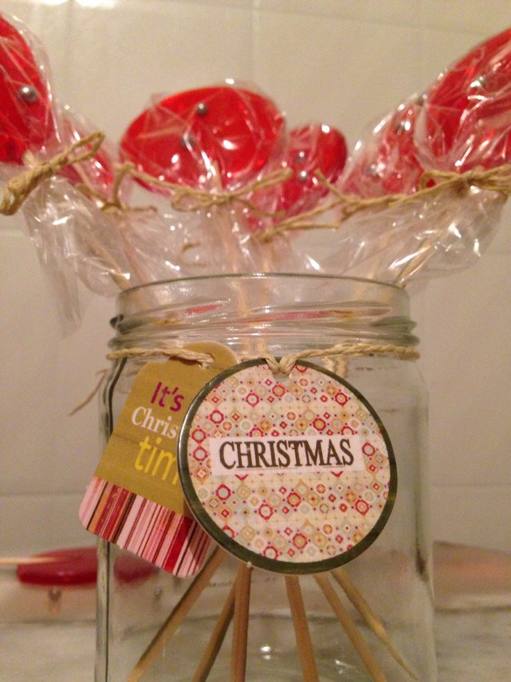 Homemade cherry lollipops so quick and easy to make.... What a great gift idea