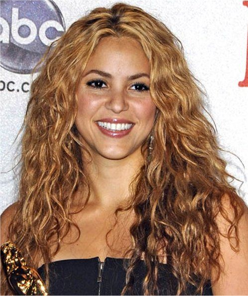 Long Blonde New Hairstyles 2016 - http://www.ihairstyles.info/blonde-hairstyles-cuts-colour/