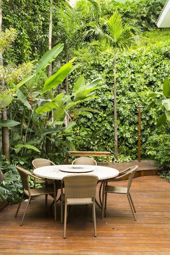 Ambientes externos. Cursos on line - Paisagismo e Jardinagem.  Matrículas no site: www.casaecia.arq.br