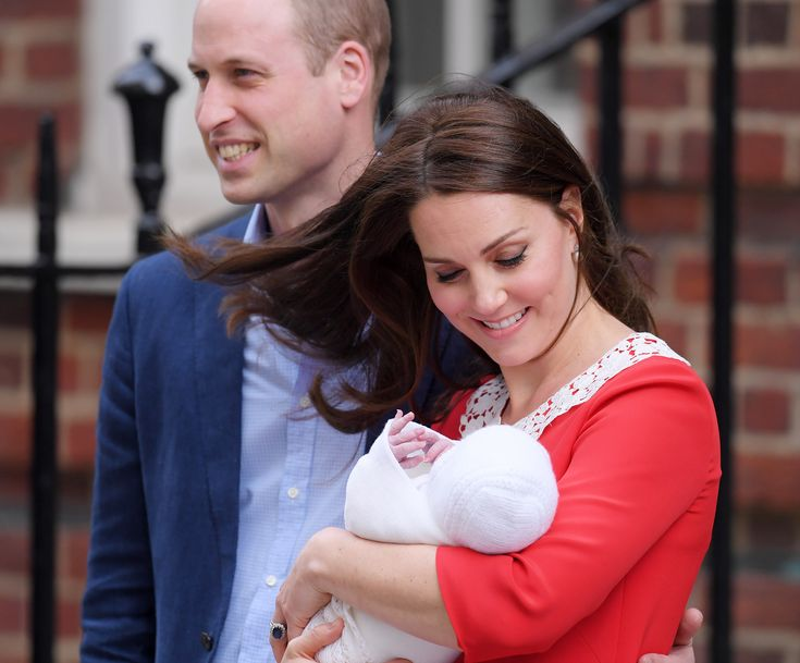 Kate middleton steps out with new royal baby just hours after giving birth see