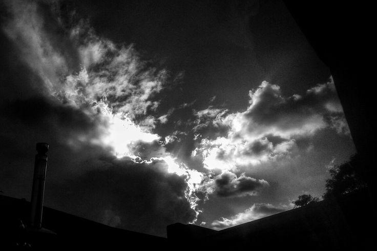 Sky blaknwhite