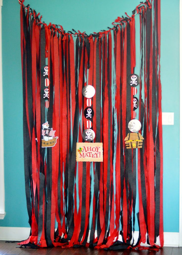 pirate party decor photo backdrop easy diy cheap - Cheap Party Decorations