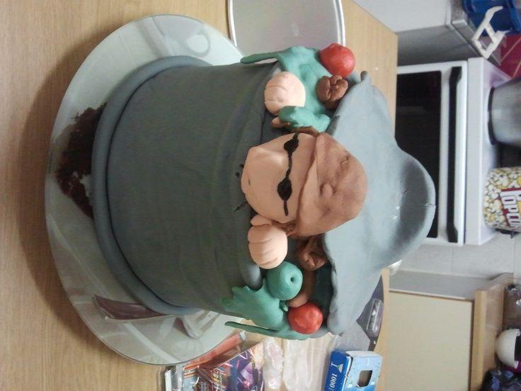 What an adorable hobo cake
