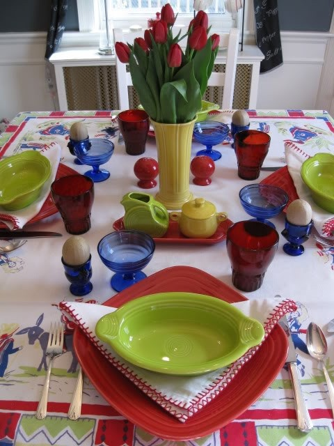 Love this Fiesta table setting! Square plates w/little casserole plates on top. & 227 best Fiesta Timeu203c images on Pinterest | Kitchens Fiesta ...