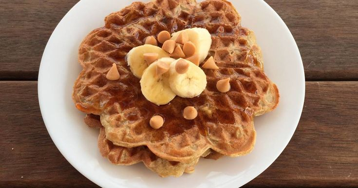 No Fat Banana Waffles | 2 Ripe Bananas Mashed, 3 Eggs Separated, 1 1/2C Coconut Milk, 1/4C Maple Syrup, 2 1/4C Flour, 1/2t Baking Soda, 1t Vanilla, 1/2C Chopped Pecans. Beat egg whites until soft peaks form. Combine egg yolks, coconut milk, maple syrup, flour, baking soda, vanilla & banana. Fold in pecans & egg whites. Ladle into preheated greased waffle iron & cook 3-4 min. | cookpad.com