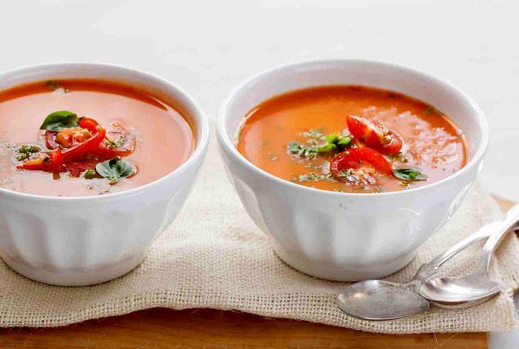 Суп-пюре из помидоров и базилика https://foodmag.me/sup-pyure-iz-pomidorov-i-bazilika  Время приготовления: 30 мин. Сложность приготовления: Очень просто Колорийность: 138 Ккал Количество порций: 6 Количество ингредиентов: 8  Ингредиенты: базилик – 1 пучок. большая морковь – 1 шт. бульон куриный – 1/2 л,. крупные помидоры – 6 шт. луковицы – 2 шт. масло растительное – 2 ст. л.. сахар – 1 ч. л.. соль.  Этапы приготовления: Помидоры вымыть, нарезать дольками. Лук и морковь очистить, порезать…