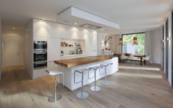 Cocinas de estilo moderno por rother küchenkonzepte + möbeldesign Gmbh