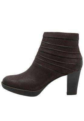 Auch auf hohen Absätzen genießt du tollen Komfort. Tamaris Ankle Boot - cigar für 67,45 € (06.01.16) versandkostenfrei bei Zalando bestellen.