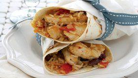 Tortilly s kuřetem a hnědou rýží Foto: