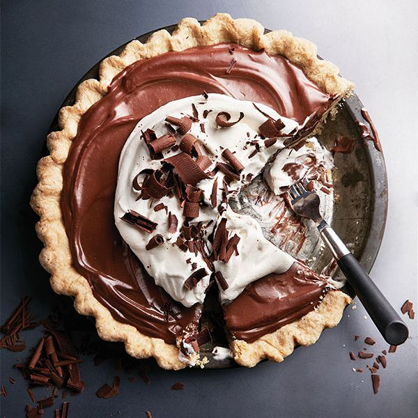 Looking for impress your dinner party guests? This luscious velvety chocolate pie can be made up to 24 hours ahead (without the crust losing its crunch!)