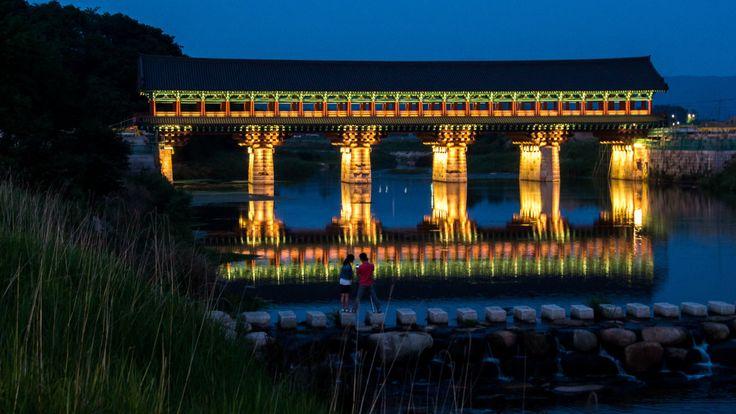 Woljeong-gyo(bridge) 월정교 by Jacob Hong    Via Flickr: in Gyochon village,  Gyungju, South Korea 경주 교촌마을