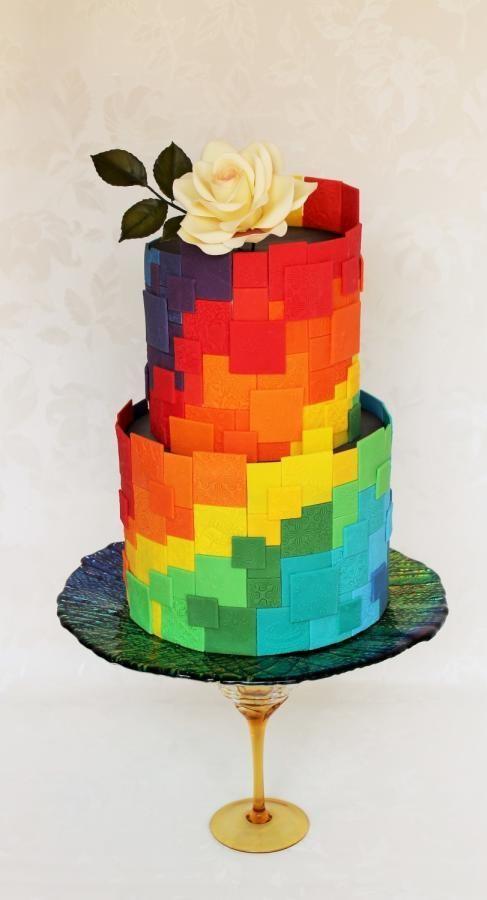 Rainbow in the pixels - Cake by Kateřina Lončáková