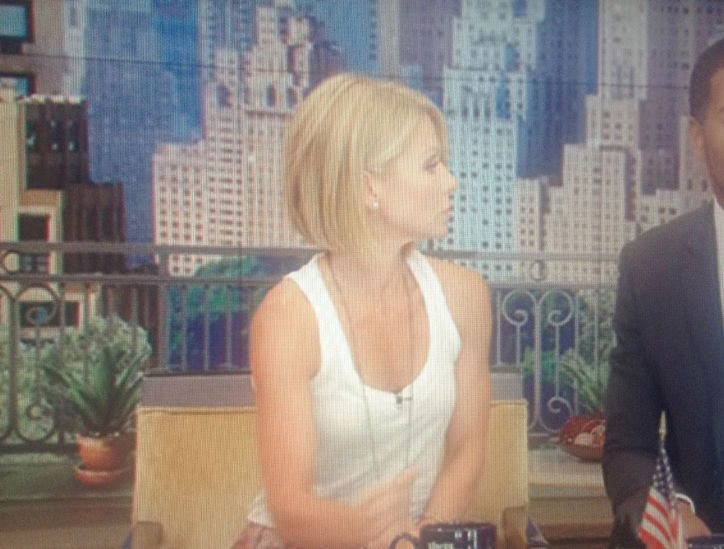 Kelly+Ripa+New+Short+Hair+Cut | Kelly Ripa Just Debuted a Short Bob Haircut on Live! You Like?: Girls ...