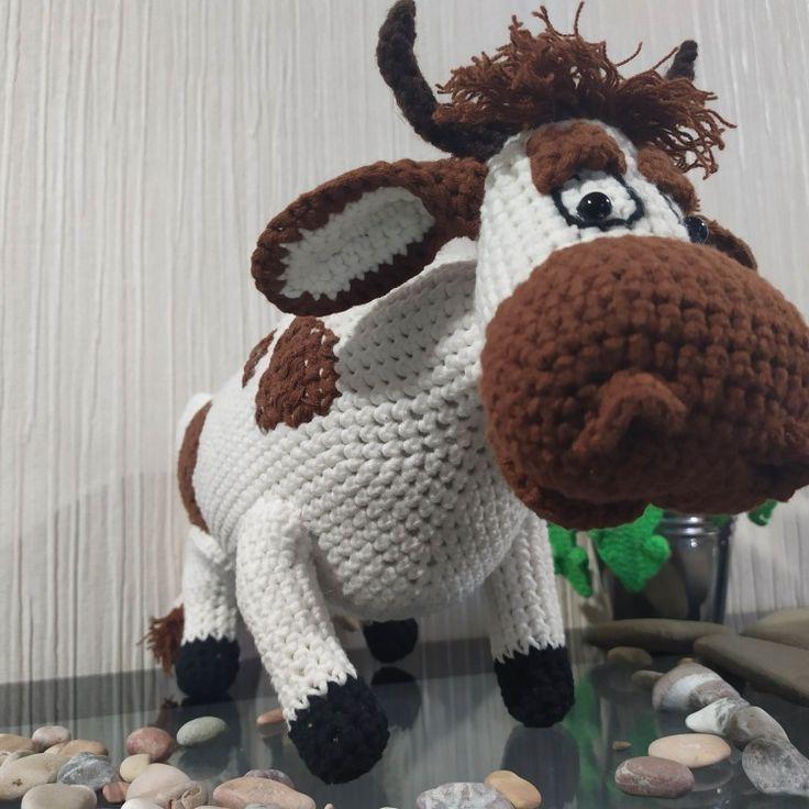 "Корова Мурка из ""Простоквашино"". Cow Murka from ..."