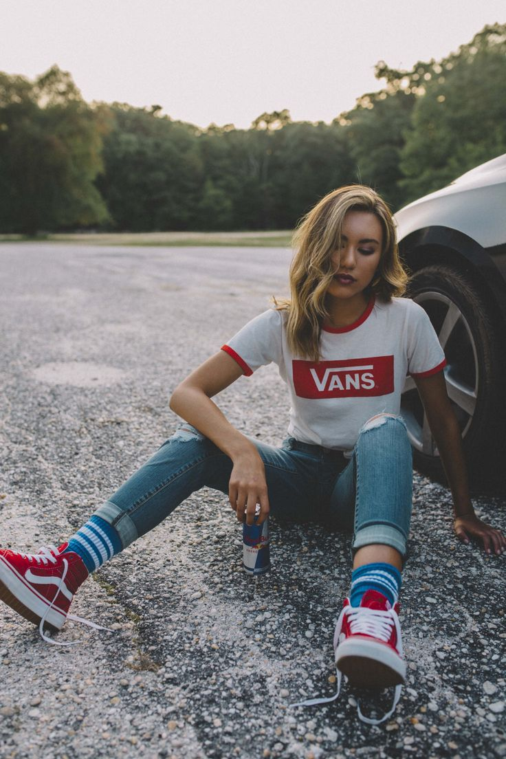 Loving these red accents: V-Tangle Cropped T-Shirt | Sk8-Hi photo: sougphoto …