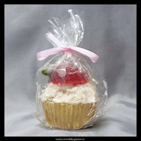 Dekorační mýdlo ve tvaru košíčku s krémem a kousky ovoce s příjemnou ovocnou parfemací.