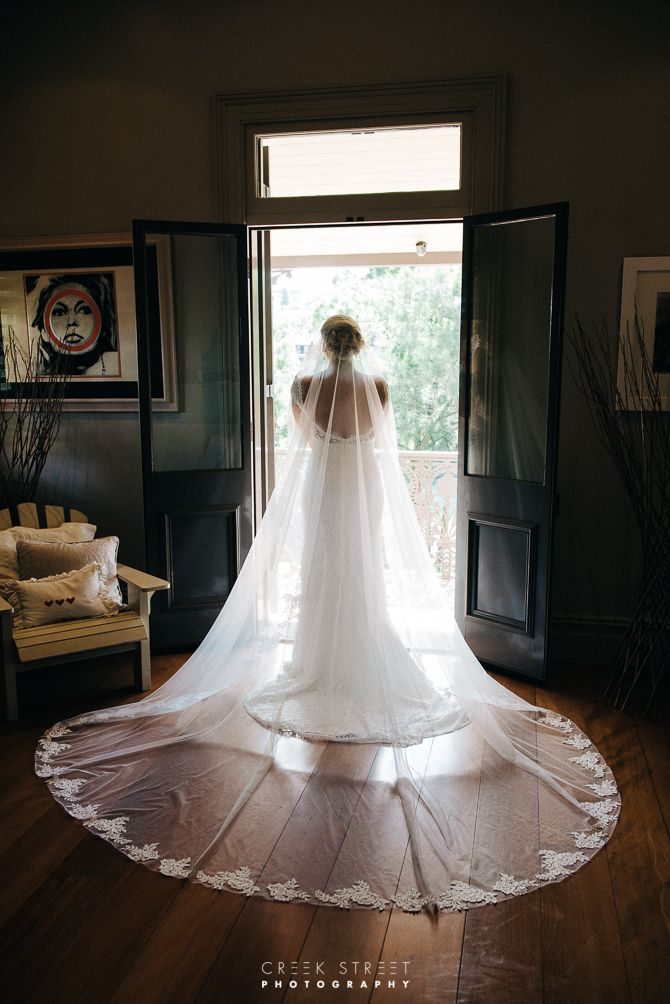 sydney bride getting ready - stunning veil