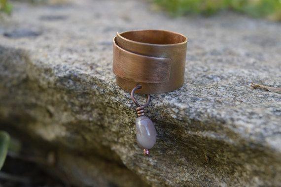 Anello regolabile rame e agata del Botswana, anello rame spazzolato, anello donna, pezzo unico, soleluna