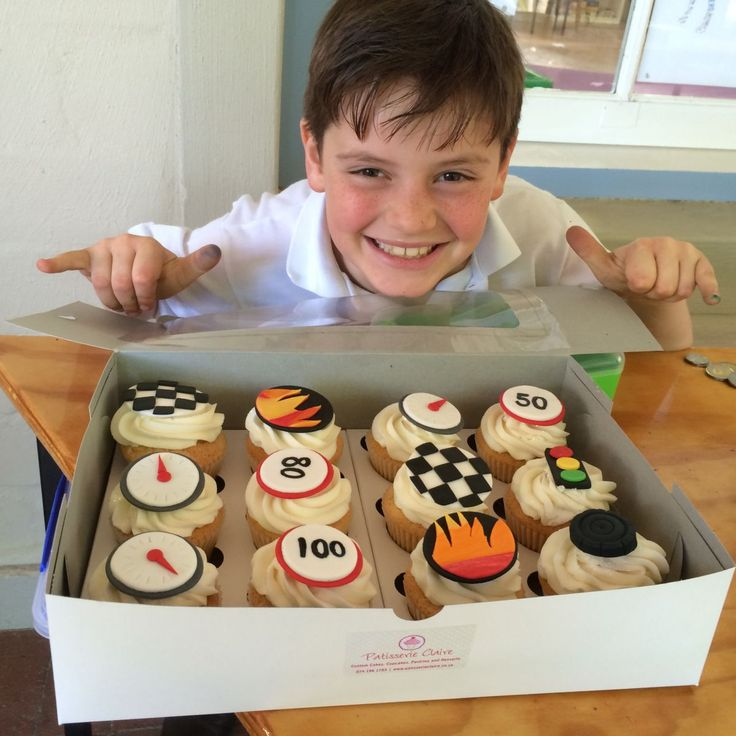 Once again Grade 3 pupils held a homemade cake sale in aid of saving our Rhinos. Proceeds were donated to the Rhino Foundation.