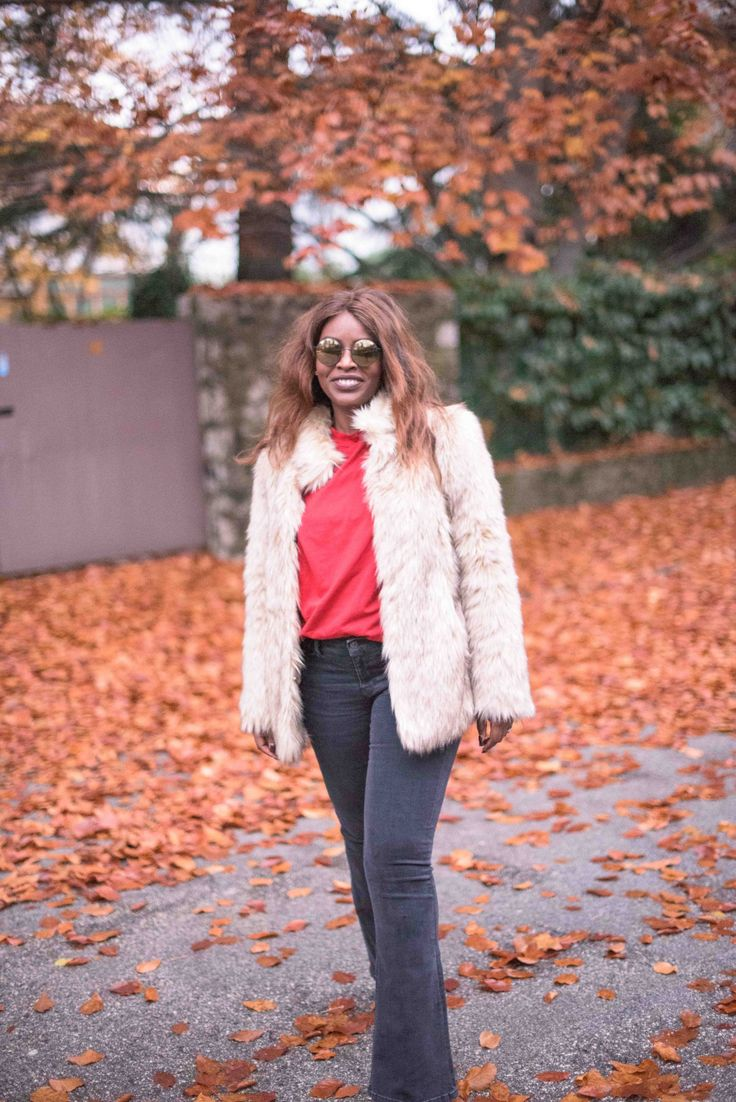 70s look | 70s vibes | Flared jeans | Round glasses | Faux fur | Fall look
