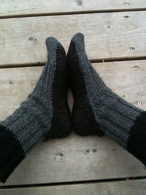 Ravelry: Moccasin Socks pattern by Elizabeth Zimmermann