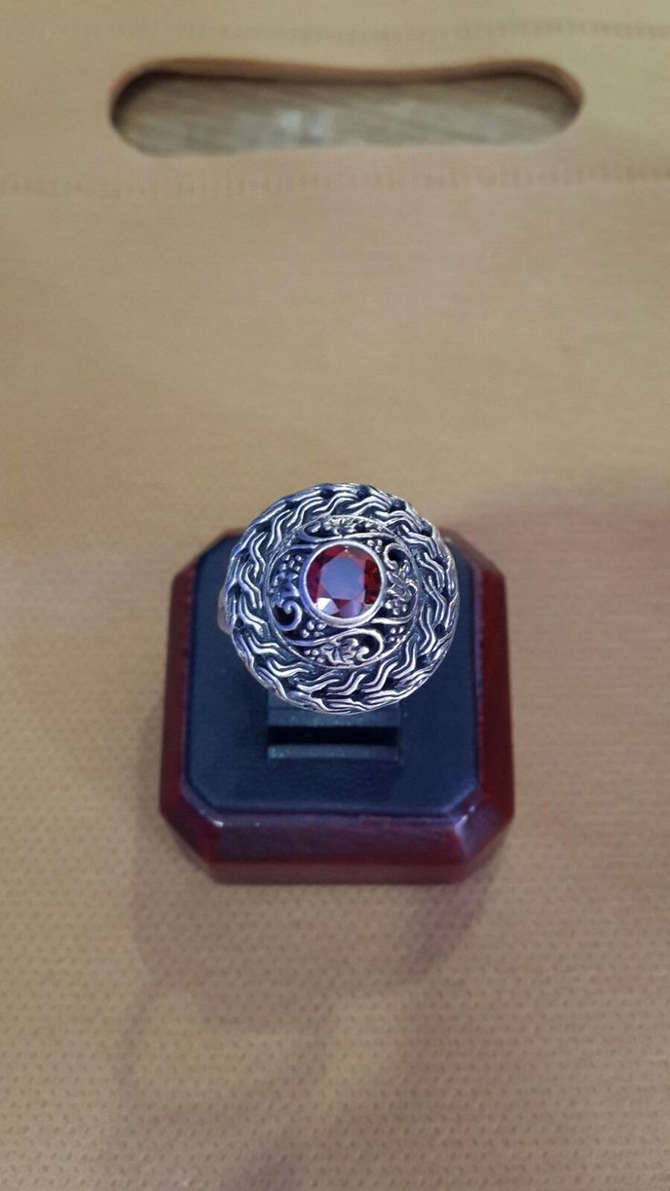 Gallery Retail - The Georgeous Red Crystal in Balinese Silver Ring Design