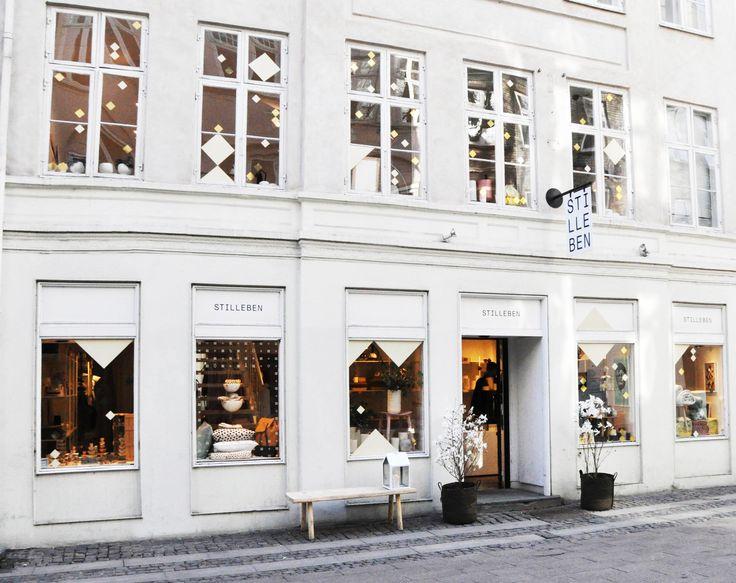 Lokaal en internationaal design bij de leukste winkel van Kopenhagen Roomed | roomed.nl