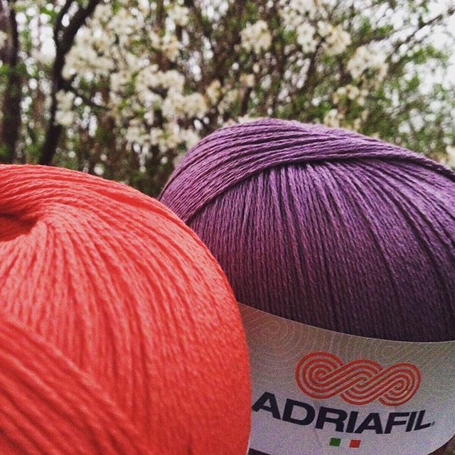 Alberi in fiore, voglia di #novità: #nuovicolori #Adriafil da non perdere! Chi indovina di che filato parliamo??? / Colour news! Who guess the #yarn we're talking about? ;) #knitlove #knitting #knittersofinstagram #instaknit #crocheter #crochet #crochetersofinstagram #uncinetto #ganchillo #primaveraestate2016 #primaveraestate #colours #colorful #instacolor