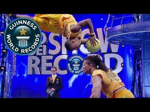 Most barani flips to slam dunk in 30 seconds (team) - Guinness World Records Classics