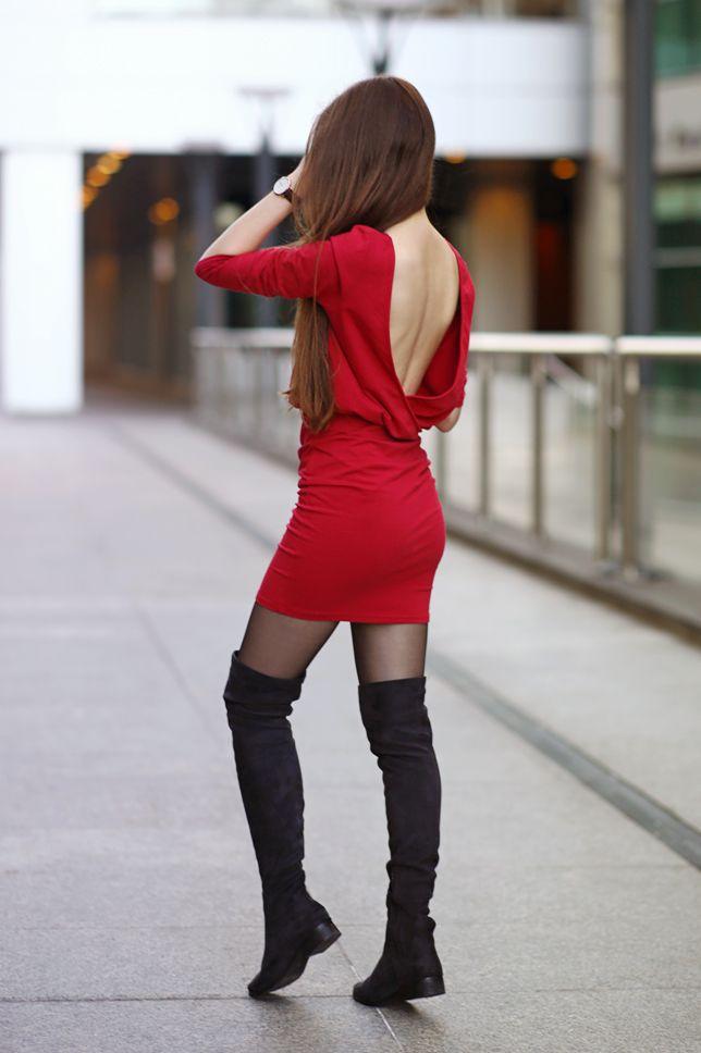 ...help! I have nothing to wear! - fashion blog: Czerwona dopasowana sukienka, zamszowe kozaki za kolano i czarne rajstopy