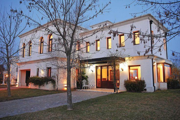 Pavloff - Regalini & Asociados - Casa estilo clásico - PortaldeArquitectos.com