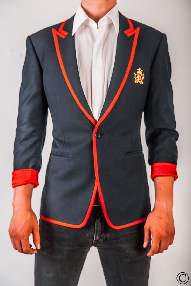 Signature Club Blazer with Red Stripe by Norwegian Couture. #menstyle #mensfashion #suitup #blazer #couture #red #Oslo