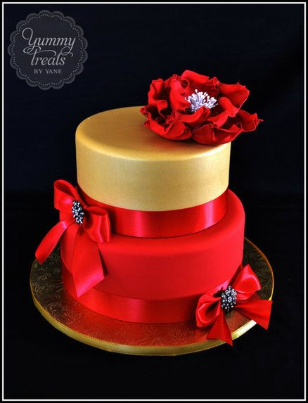#Red and Gold Cake with bows ... Wedding ideas for brides & bridesmaids, grooms & groomsmen, parents & planners ... https://itunes.apple.com/us/app/the-gold-wedding-planner/id498112599?ls=1=8 … plus how to organise an entire wedding, without overspending ♥ The Gold Wedding Planner iPhone App ♥
