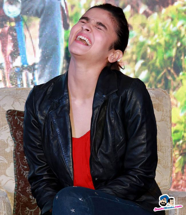 Picture # 349448 of Alia Bhatt with high quality pics,images,pictures and photos.